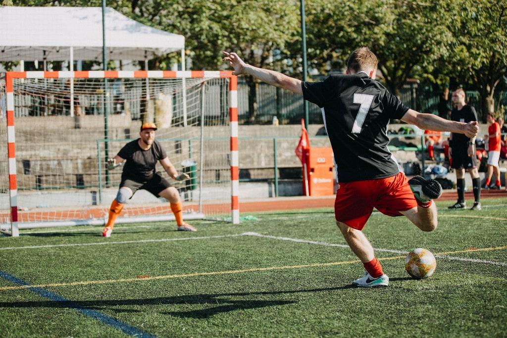 Eshopista-fotbal-2020-semifinale-penalty